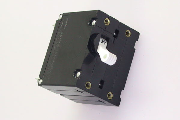 <span style= >Circuit Breaker Double Pole 30 Amp AC Master</span>