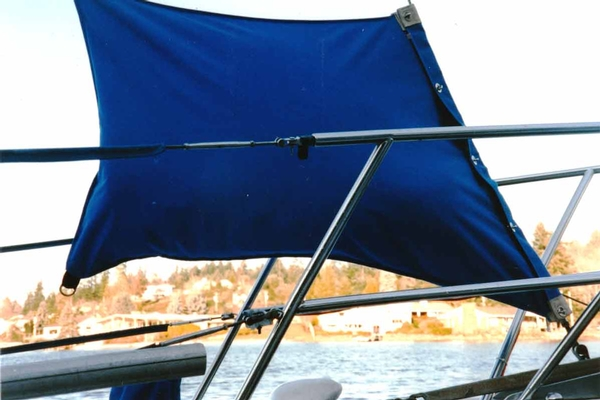 <span style= >Sail Bag, Large for Hank-On Sails, Royal Blue Tweed</span>