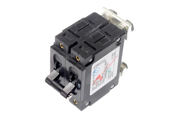 <span style= >Circuit Breaker<br/>135 Amp Master</span>