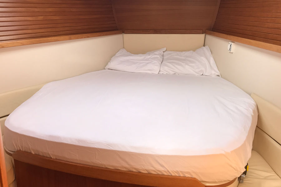 Sheet Set, Traditional Fitted from Custom Pattern: Aft Cabin