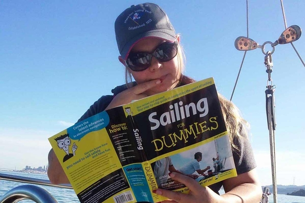 """<span style= >Book """"Sailing for Dummies""""</span>"""