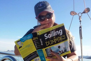 "<span style= >Book ""Sailing for Dummies""</span>"