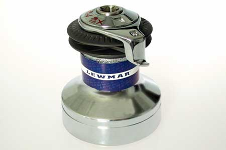 <span style= >Winch Lewmar 30<br/>Self Tailing</span>
